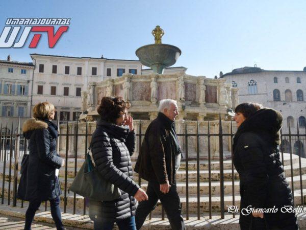 StatuetteDorateFontanaMaggiore (9)