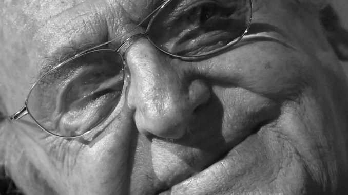 Renzo Arbore annulla concerto troppe polemiche ha seri problemi di salute