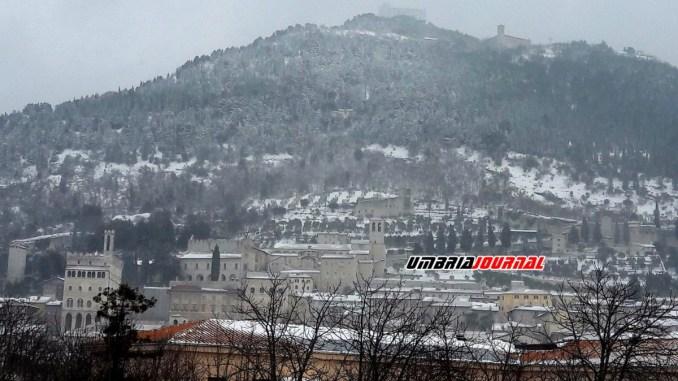 Emergenza neve e gelo Gubbio chiusura scuole anche per domani