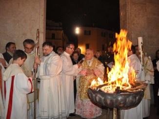 Celebrata la veglia pasquale nella Cattedrale di Terni