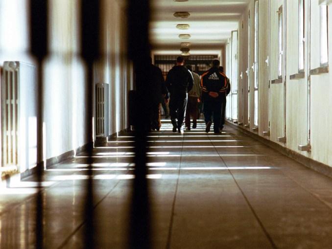 Aggressione nel carcere di Perugia, feriti tre poliziotti penitenziari