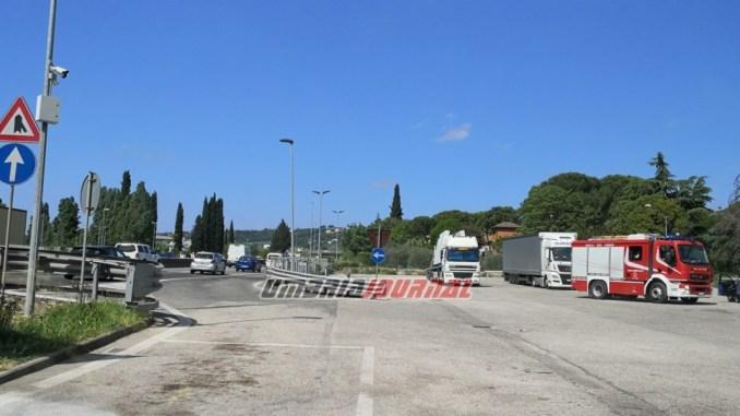 Carmen dopo incidente a Perugia, cerca i suoi soccorritori, due donne