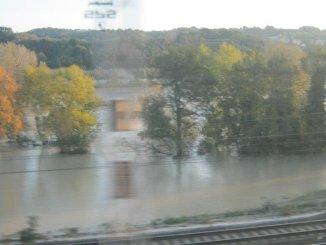 Maltempo allagamenti Orte Orvieto treni bloccati passeggeri abbandonati