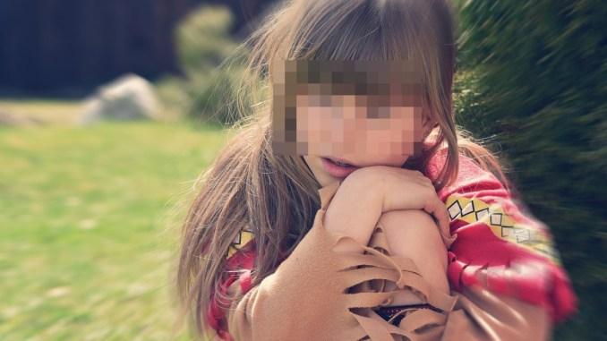 Violenta la figlia, padre nega ogni accusa, chiesta scarcerazione