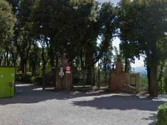 Si masturba ai Giardini del Frontone, denunciato anziano a Perugia