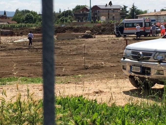 Incidente sul lavoro a Bastia Umbra, operaio cade, trasportato in ospedale