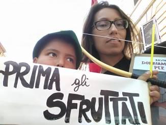 Prima gli sfruttati manifestazione antifascista Potere al popolo Terni