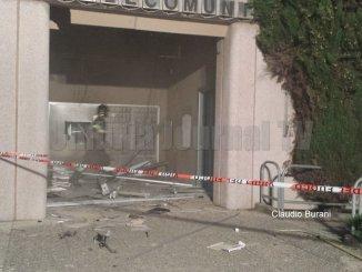 Doppia esplosione, fanno saltare postamat ufficio postale a Castiglione del Lago