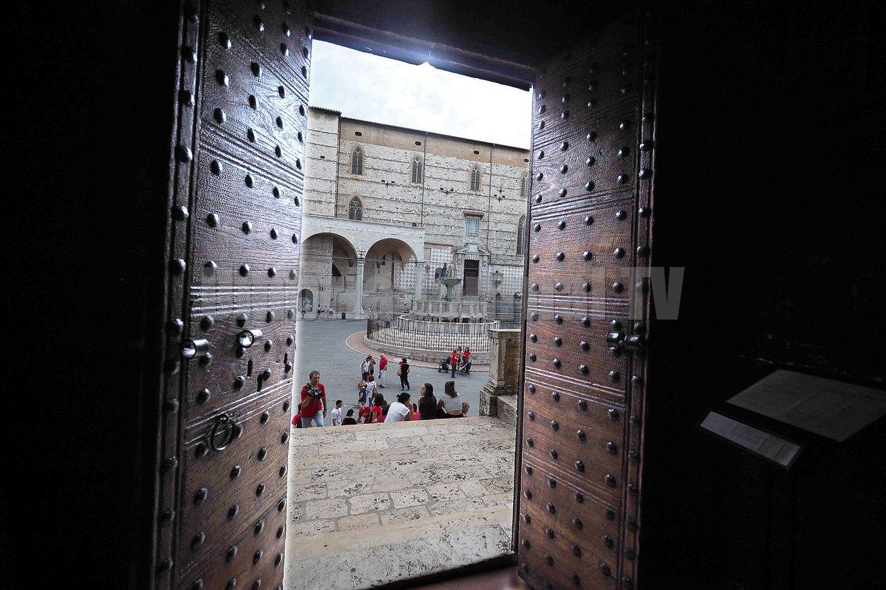Art bonus, inaugurati i portoni di Palazzo dei Priori a Perugia
