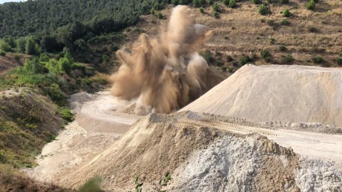 Ordigno bellico di Cesi, operazione compiuta, brillamento nella cava di San Pellegrino
