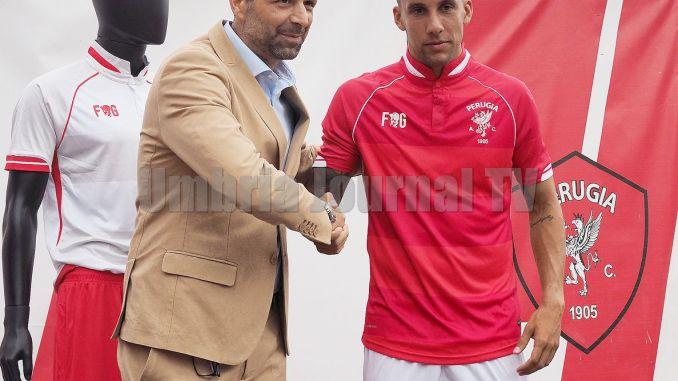 Le nuove maglie del Perugia Calcio e presentazione Moscati LE FOTO