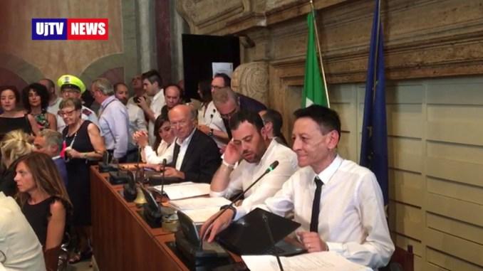 Consiglio comunale Terni, il giuramento del sindaco Leonardo Latini