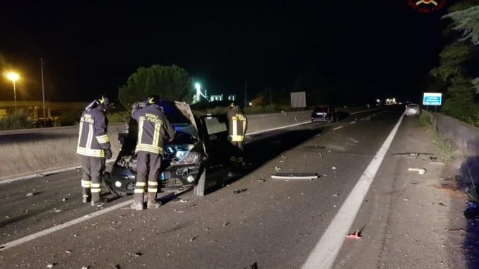 Notte di incidenti sulla E45, diverse auto coinvolte, feriti lievi