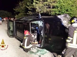 Auto si ribalta a Gualdo Tadino, lungo la Valsorda, ferito conducente