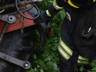 Agricoltore di 88 anni muore schiacciato dal trattore