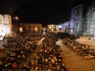 Orchestra regionale dell'Umbria, mica male come idea eh, l'ha lanciata Riccardo Muti