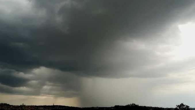 Allerta meteo, previsioni del tempo Italia fino alle 8 di mattina