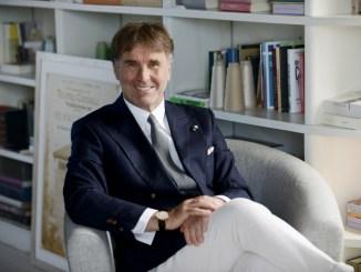 """Cucinelli, il re del cachemire, a Foligno per ritirare il """"Premio Mariposa"""""""