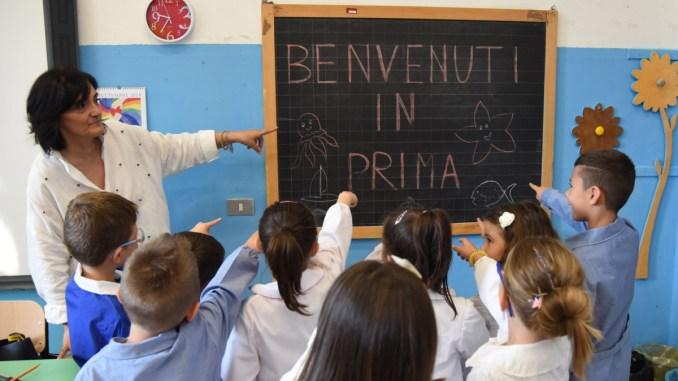 Primo giorno di scuola il sindaco Romizi incontra gli studenti