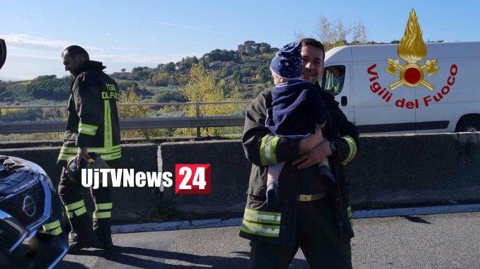 Tamponamento raccordo Perugia Bettolle vigile del fuoco baby sitter