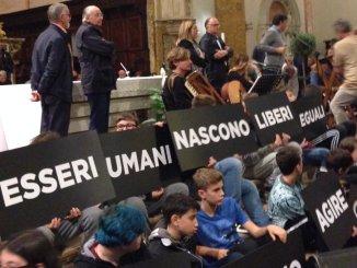 Marcia Perugia-Assisi, presidente Marini, marciamo insieme
