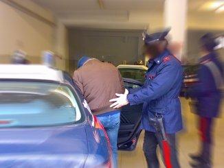 Pregiudicato va a rubare a scuola a Spoleto, arrestato, era ai domiciliari