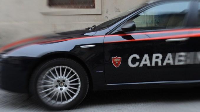 Inseguimento, speronamento auto dopo furto a Foligno, si cerca la banda