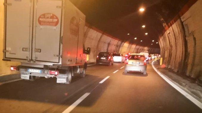 Sicurezza stradale, quando installazione di stazioni radio base nei tunnel
