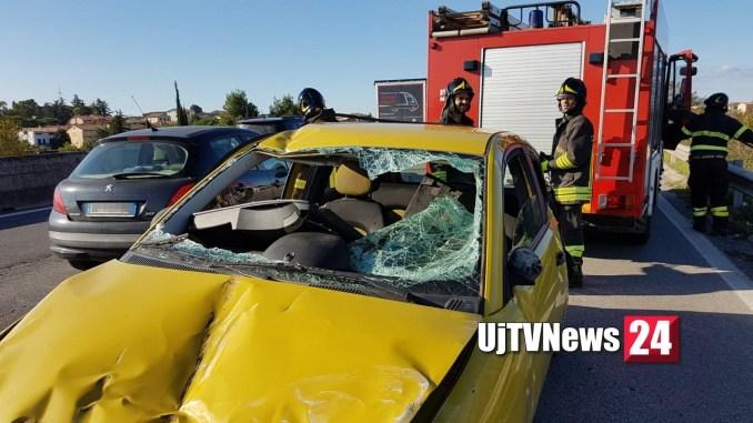 Incidente sulla 75 Centrale Umbra, vettura si ribalta, una persona ferita