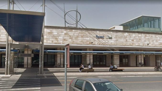 1 arrestato, 3 indagati e 2.462 persone controllate, stazioni sicure Centro Italia