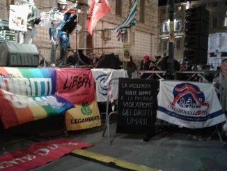 Camminiamo diritti, oltre 30 associazioni sono scese in piazza [video]