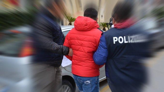 Arrestato straniero auto di lusso e spaccio di coca, arrestato