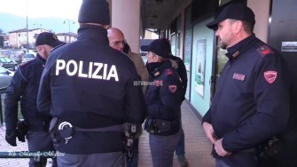 Assalto bancomat BNL Polizia e vigilanza auto polizia (9)