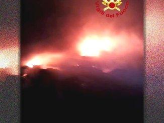 Ancora fiamme alla fornace di Bastardo, questa volta incendio all'esterno, indagini in corso
