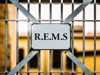 Strutture sanitarie criminali malati mente, Rems, piene e aumentano reati