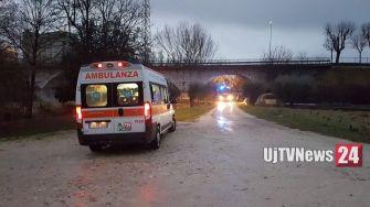 Incendio a Bastia Umbra, sotto il ponte di Santa Lucia