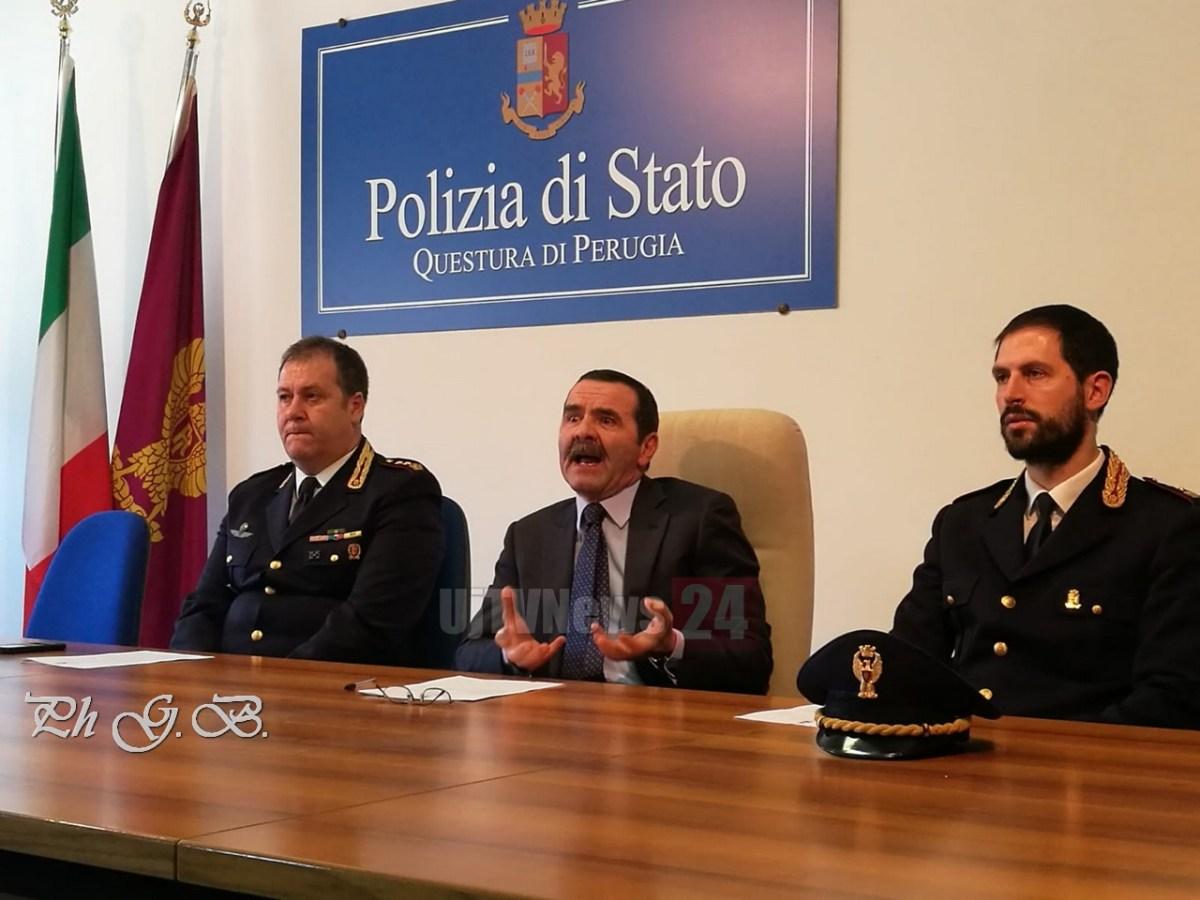 🔴VIDEO🔴 Polizia Perugia smantella banda che rubava trattori e camion, 4 arresti