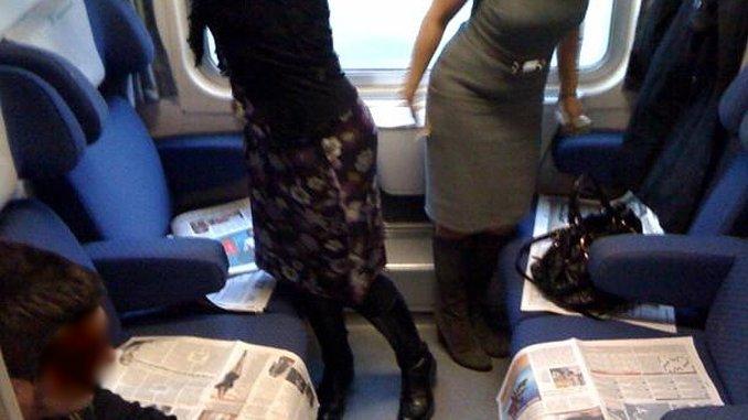 Treni sporchi e servizi inadeguati, pendolari strangolati dal prezzo biglietto