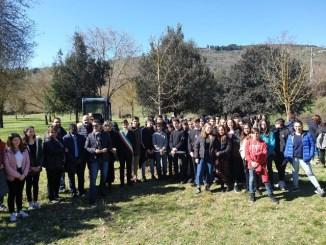 Albero della cittadinanza al percorso verde di Pian di Massiano