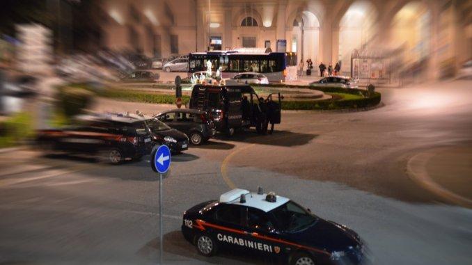 Incendi auto e cassonetti a Fontivegge, Carabinieri fermano l'autore