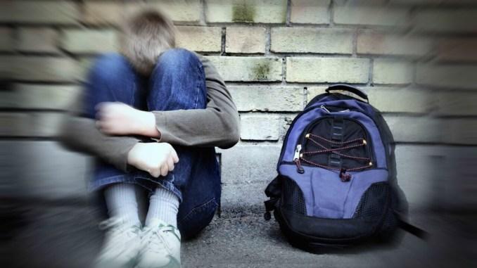 Studente di 16 anni di Assisi aggredito all'uscita da scuola