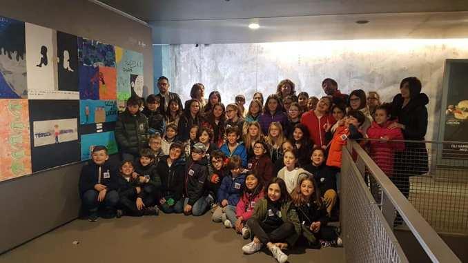 Stazione Minimetro della Cupa Perugia e i 46 studenti della San Paolo Arte in Movimento a Scuola