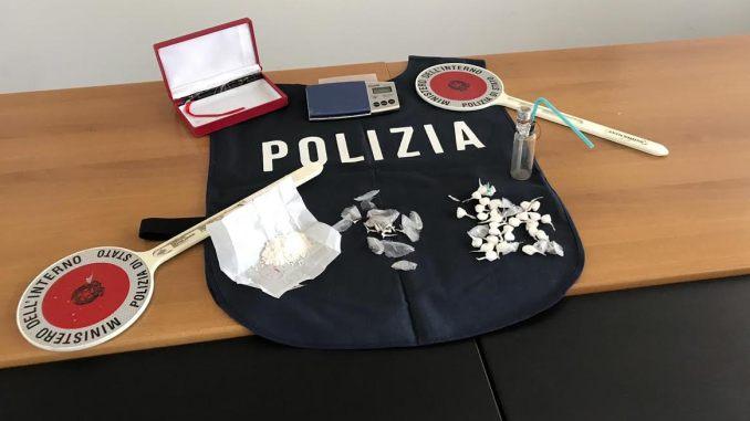 Droga in Altotevere Polizia arresta spacciatore era il pusher della cocaina, consegnava a domicilio