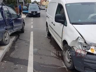 Incidente stradale a Bastiola di Bastia Umbra, tre auto coinvolte, ferito un uomo