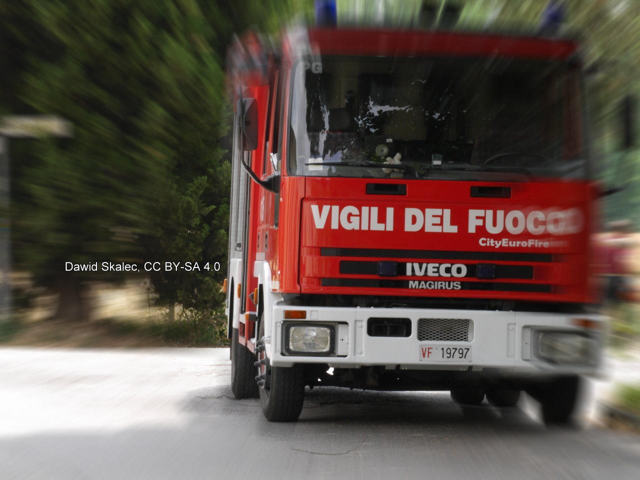 Incidente Sambucetole di Amelia, auto contro albero, muore conducente