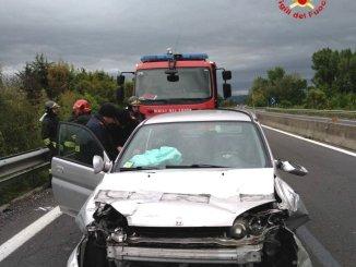 Incidente stradale sulla E45 a Città di Castello, un ferito, auto contro tir