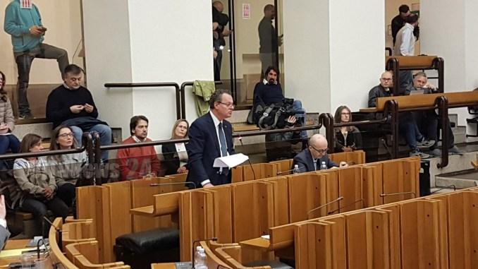 Roberto Morroni, Dimissioni Marini, un'agonia politica e istituzionale