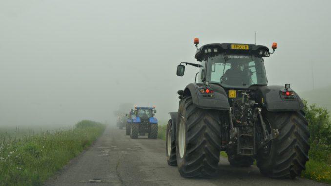 Modifica legge caccia protesta agricoltori, 100 trattori ingresso A1 Bettolle