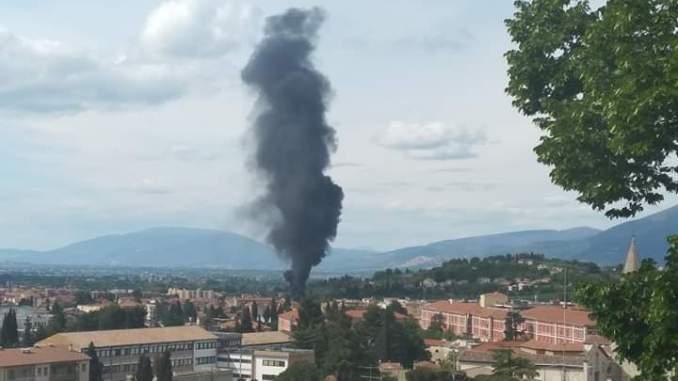 Rogo camper a Spoleto, c'è pericolo contaminazione