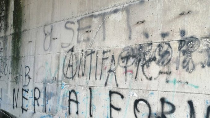 Scritte inneggianti al fascismo, presentata denuncia a Città di Castello